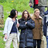 Natalia Berbeke (Adriana) y María Esteve (Elena) grabando 'Doctor Mateo'