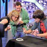 Luis Piedrahita sorprende con su magia a Jennifer Aniston y Adam Sandler