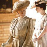 Maggie Smith es Violet en 'Downton Abbey'