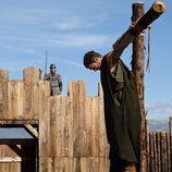 Héctor crucificado en la entrada del campamento romano