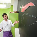 Bruno Oteiza en su cocina