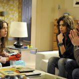 Sandra habla con Jimena y Mario