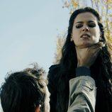 Natael agarra por el cuello a Alexia