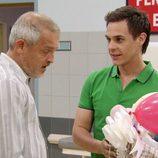 Christian Gálvez interpreta al padre de unas gemelas en 'Hospital Central'