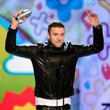 Justin Timberlake recoge su premio en la gala de los Kids' Choice Awards