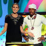Heidi Klum y Nick Cannon presentan en la gala de los Kids' Choice Awards