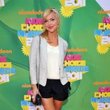 Arielle Kebbel en la alfombra naranja de los Kids' Choice Awards