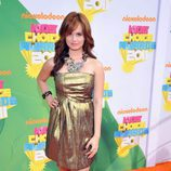 Debby Ryan en la alfombra naranja de los Kids' Choice Awards