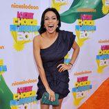 Rosario Dawson en la alfombra naranja de los Kids' Choice Awards