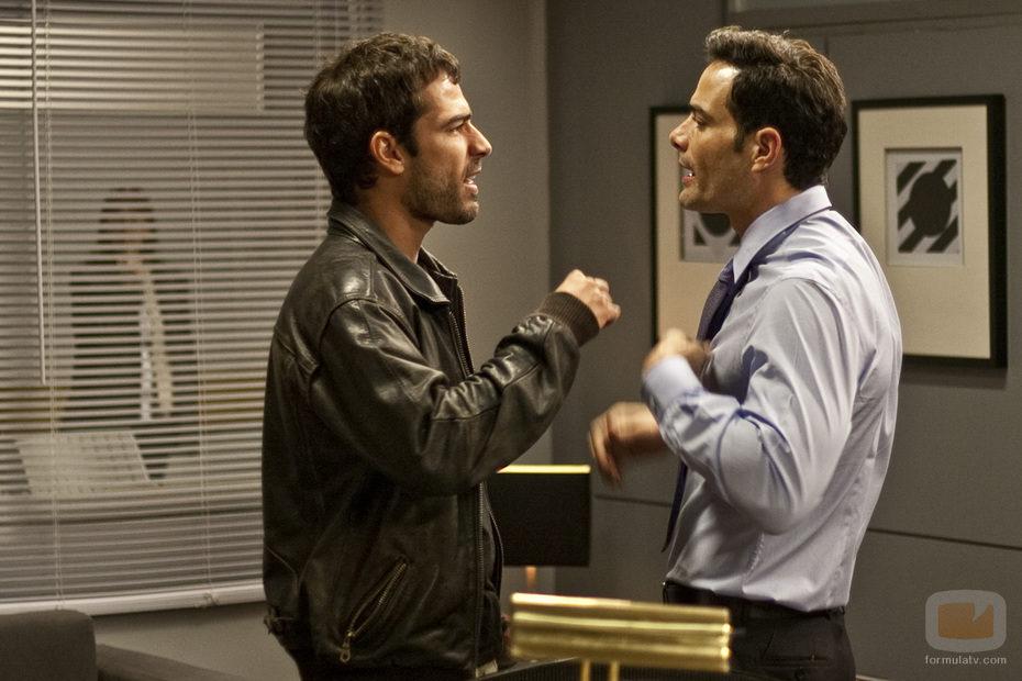 León Robles y Román discuten