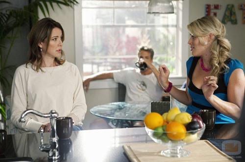 Elle habla con Laurie