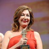Ana Rosa Quintana con su Micrófono de Oro 2011