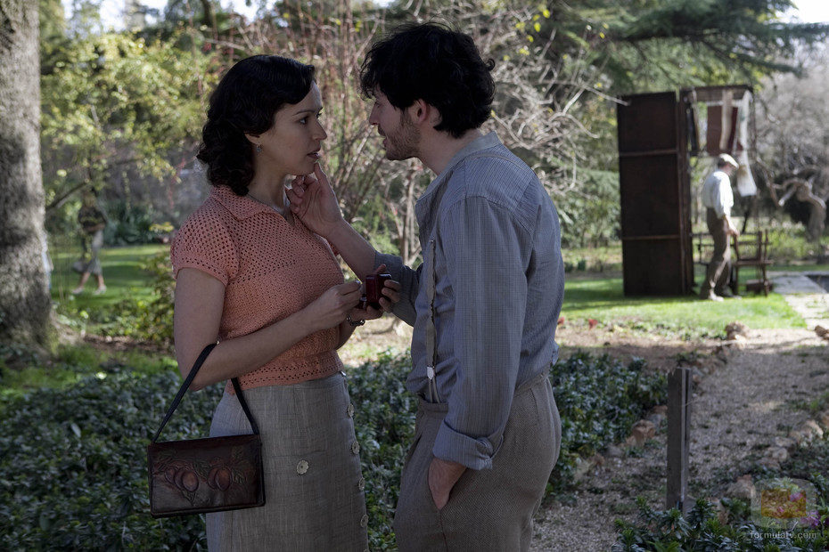 Roberto le pide matrimonio a Alejandra