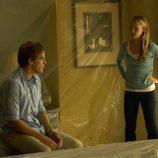Dexter y Lumen en la escena de un crimen