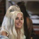 Jules disfrazada de princesa en 'Cougar Town'