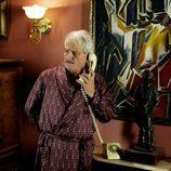 Pepe Sancho habla por teléfono