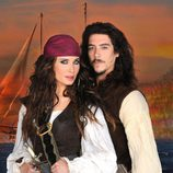 Álvaro Mondego y Carmen, de 'Piratas'