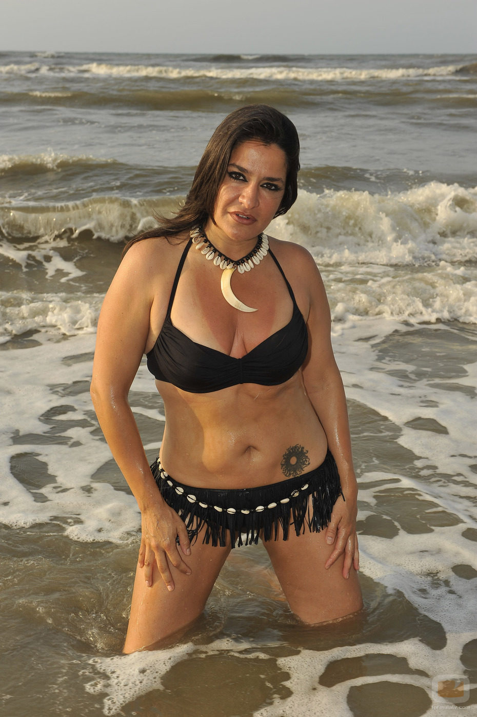 Aída Nízar de 'Supervivientes 2011' en bikini