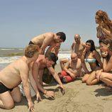 Los famosos de 'Supervivientes 2011' se reúnen en la playa