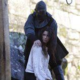 Pilar Rubio y su verdugo en 'Piratas'