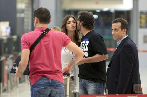 Sara Carbonero se despide en el aeropuerto con Casillas y JJ Santos