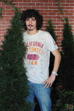 Antonio Pagudo detrás de un arbusto en \'La que se avecina\'