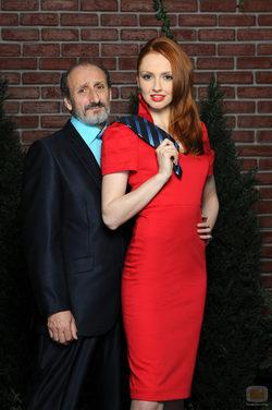 Cristina Castaño tira de la corbata a José Luis Gil en \'La que se avecina\'