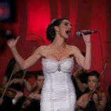 Belén López canta en 'Hoy quiero confesar'