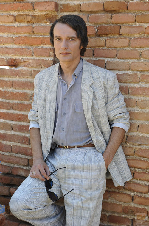 Josep Linuesa es Junior en 'Marieta', TV Movie de Rocio Dúrcal