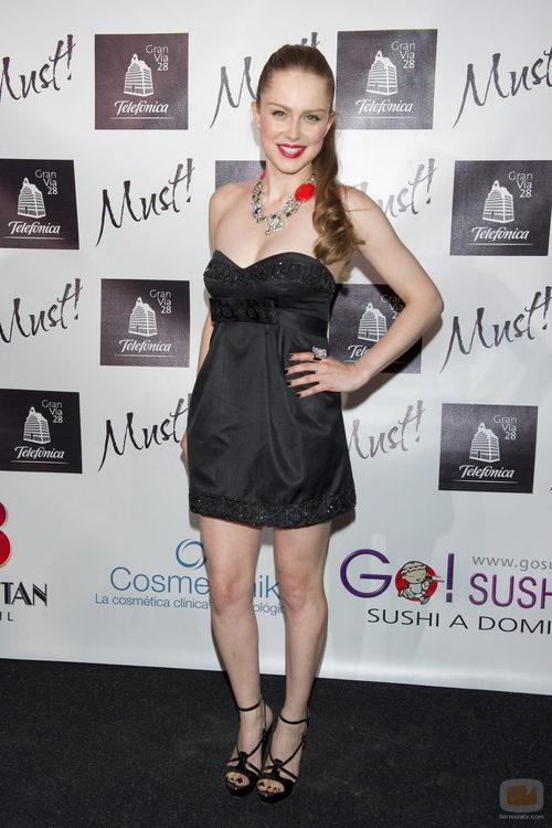 Carla Nieto en los premios de Must! Magazine