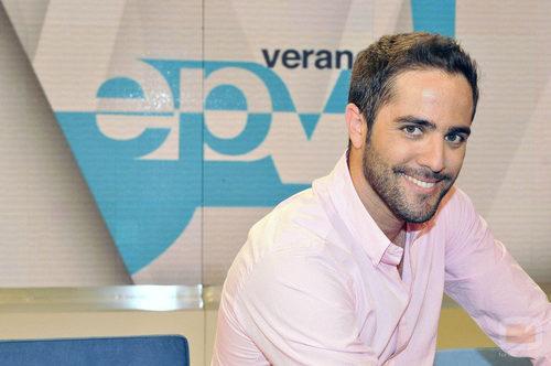 Roberto leal acompa a a alicia senovilla en 39 espejo for Espejo publico verano