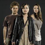 El trío de jóvenes protagonistas de 'Punta Escarlata'