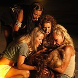 Las finalistas apoyan a Sonia Monroy en 'Supervivientes 2011'