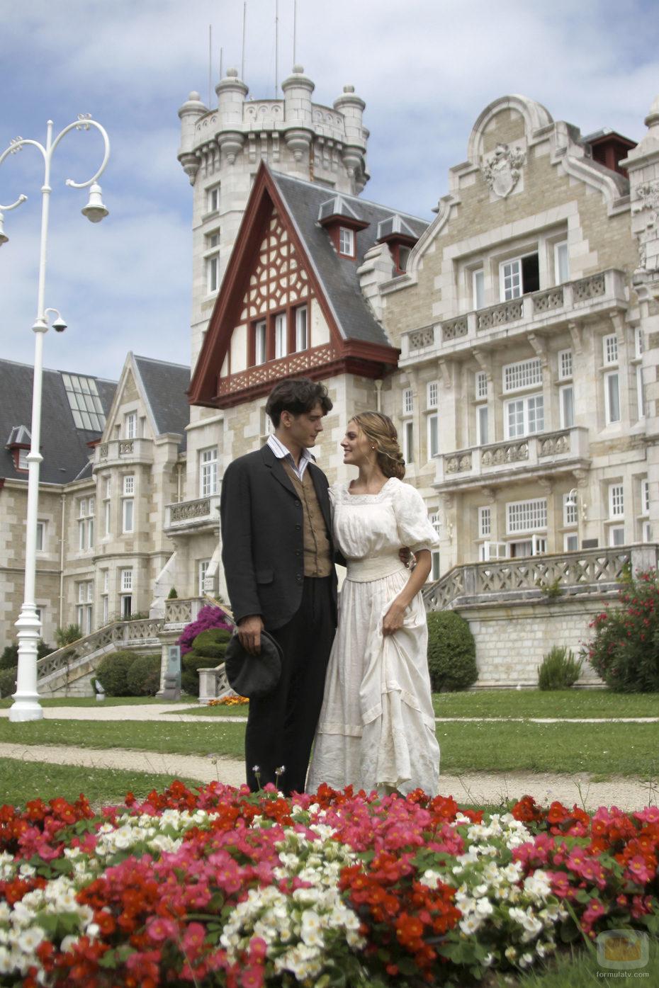 """Viešbutis """"Gran Hotel""""/Gran Hotel - Page 3 27312_amaia-salamanca-y-yon-gonzalez-en-gran-hotel"""