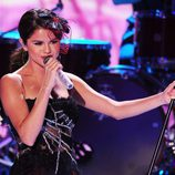 Selena Gomez actuó en los Teen Choice Awards 2011
