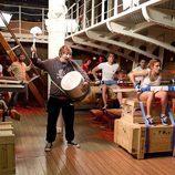 Los tripulantes de 'El Barco' en el comedor del Estrella Polar