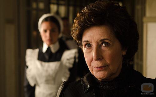 Concha Velasco es la gobernanta Ángela en 'Gran Hotel'