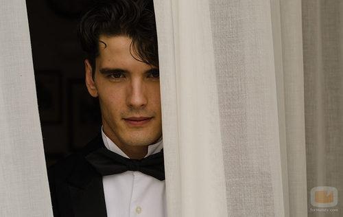Yon González viaja al pasado para ser Julio Olmedo en 'Gran Hotel'