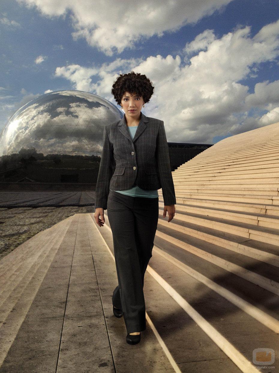 Jasika Nicole es Astrid en la cuarta temporada de Fringe