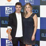 Javier Hernández y Marina Salas posan en la presentación de 'El barco'