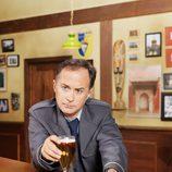 Luis Bermejo es Ricardo en 'Cheers'