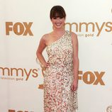 Ellie Kemper de 'The Office' en la Alfombra Roja de los Emmy 2011