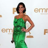 Olivia Munn de 'Perfect Couples' en los Emmy 2011