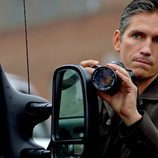 John Reese hace fotos en 'Person of Interest'