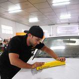 Pisha encera un coche en el taller de 'MTV Tuning España'