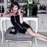 Úrsula Córbero coge el teléfono en PopMe Magazine