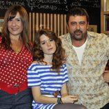 Paco Tous, Natalia Roig y Henar Jiménez son Tino, Alicia y Dule en 'Con el culo al aire'