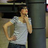Ana Morgade posa en una columna en la presentación de 'Las noticias de las 2'