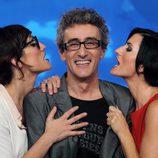 Ana Morgade y Silvia Abril provocan a David Fernández en 'Las noticias de las 2'