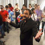Roberto Vilar con los participantes de 'Salta a la vista'